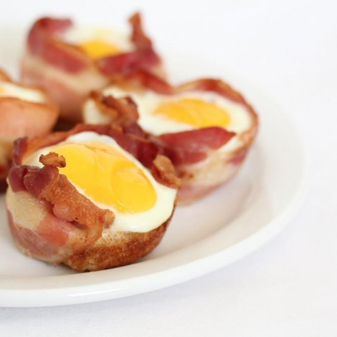 Keptas kiaušinis su kumpiu