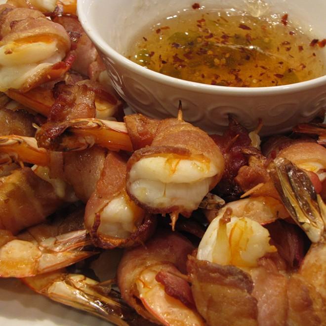 Krevetės su bekonu